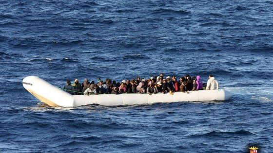 Una nave con 40 profughi a bordo bloccata al largo della Tunisia