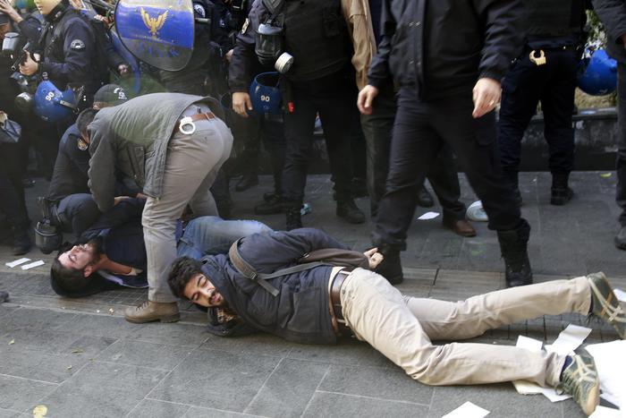 Arrestati im Turchia i leader filo curdi e dieci parlamentari