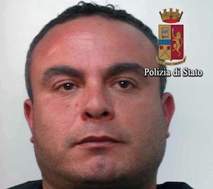 Sorpresi con l'hashish nel centro di Vittoria: uno in carcere, l'altro denunciato