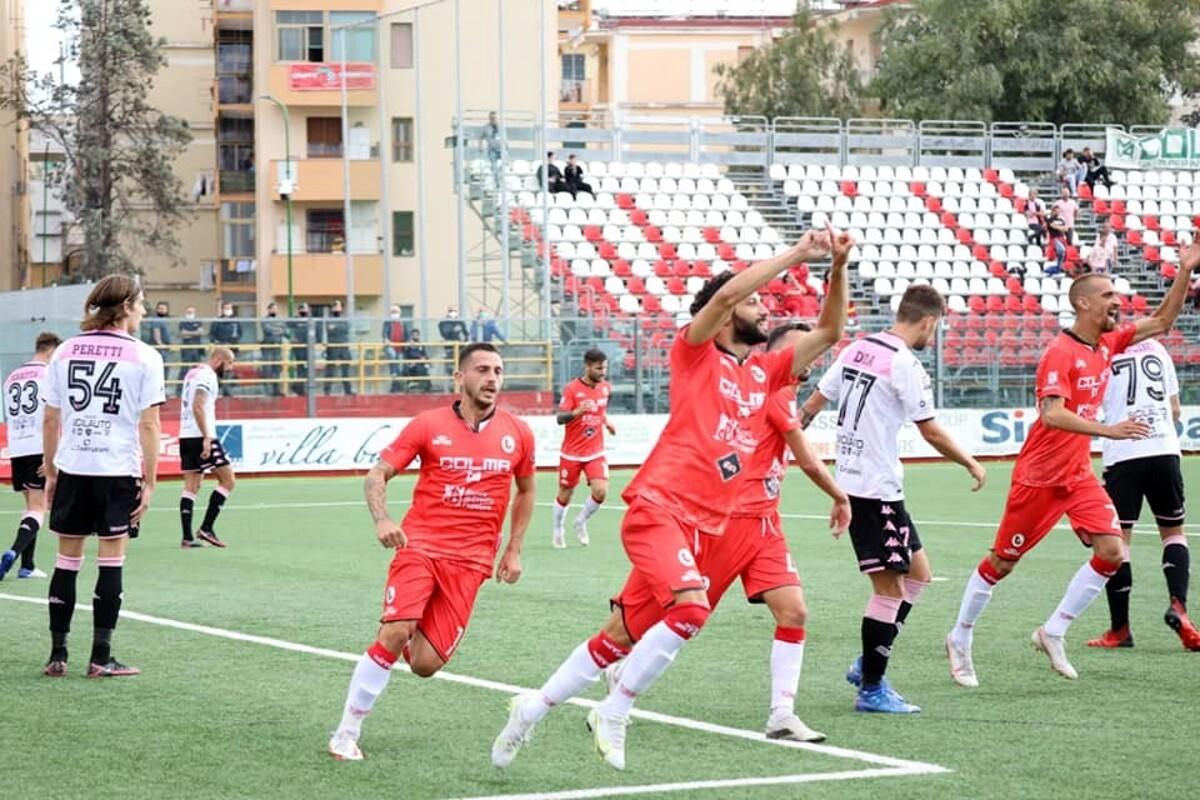 Il Palermo annientato a Torre del Greco, sbaglia 2 rigori e incassa tre gol
