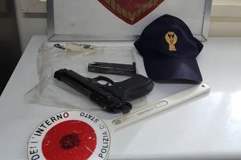 Siracusa, preso in piazza Santa Lucia con una pistola: denunciato a piede libero
