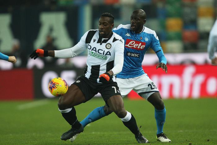 Il Napoli non sa più vincere: acciuffa un pari con l'ex Zielinski sul campo di Udine