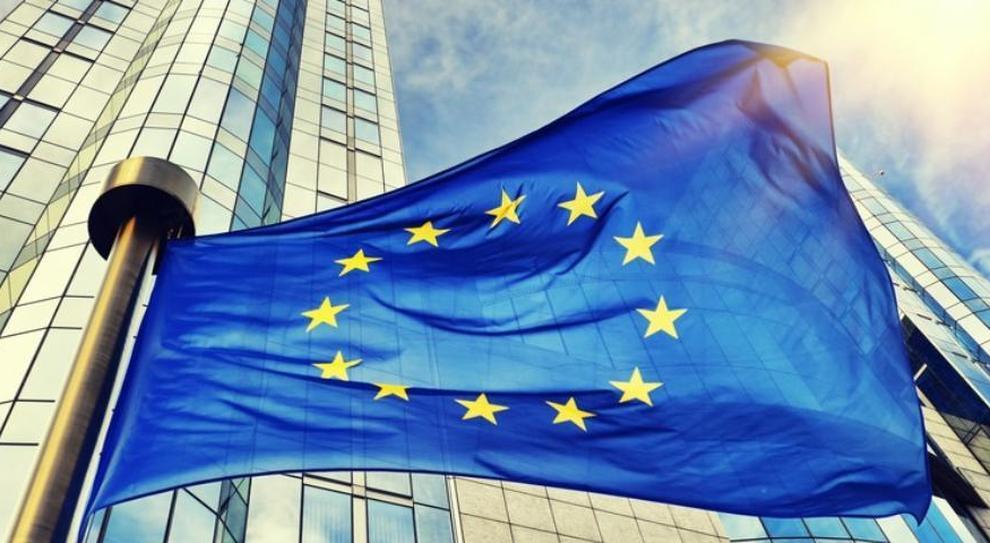 Italiani tiepidi con l'Ue: solo il 44% vorrebbe restare