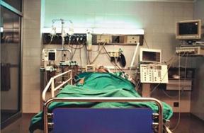 Solarino, colpita da febbre alta: giovane mamma è in Rianimazione