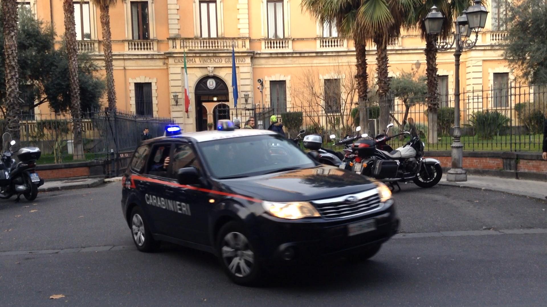 Un chilo di droga tra i giochi della figlioletta, arresto a Catania
