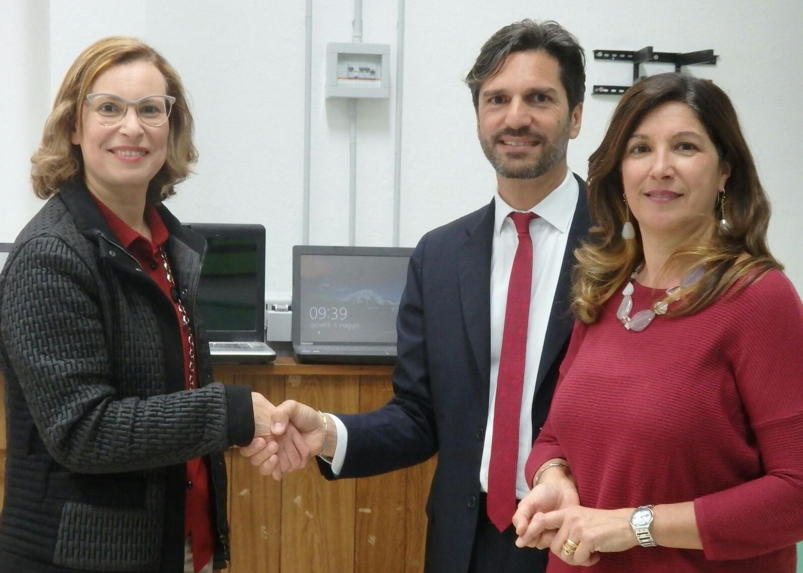 Scicli, consegnati i computer donati da UniCredit all'Istituto Elio Vittorini