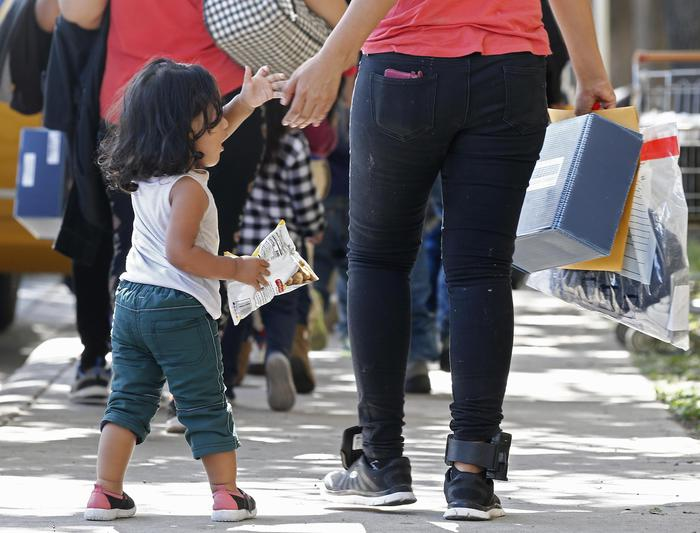 Usa, giudice ordina di riunire le famiglie di migranti separate