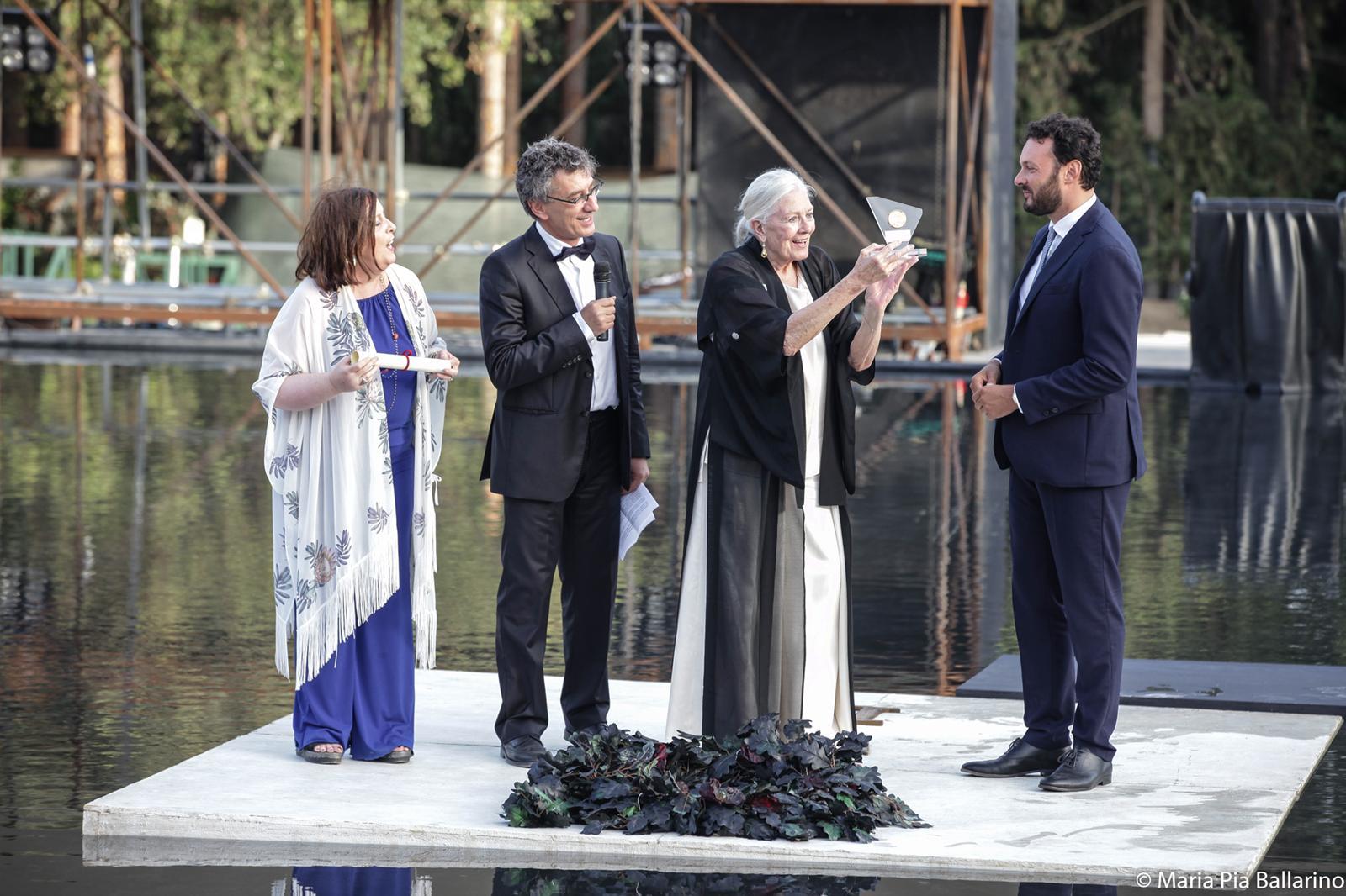 Standing ovation a Siracusa per Vanessa Redgrave 'Eschilo d'oro'
