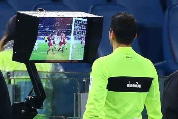 Calcio, per i play off e i play out di serie B entrerà in funzione la Var
