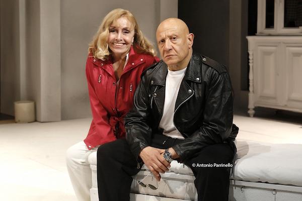 """Catania, al Teatro Stabile in scena """"Vizio di famiglia"""" di Edoardo Erba"""