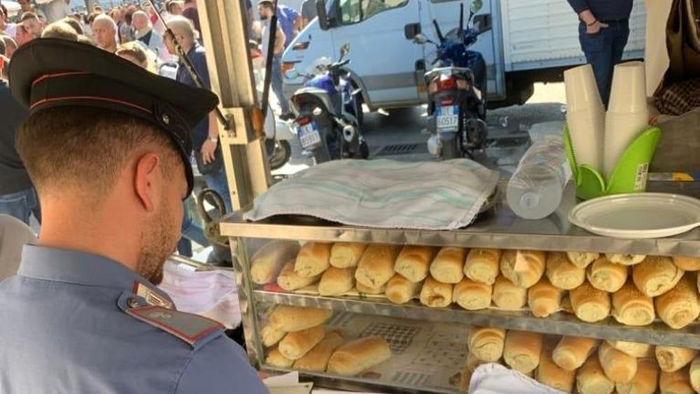 Col reddito di cittadinanza vendeva panini: denunciato a Palermo