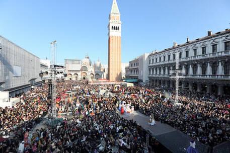 Nyt: 'Venezia un Disneyland da spiaggia'
