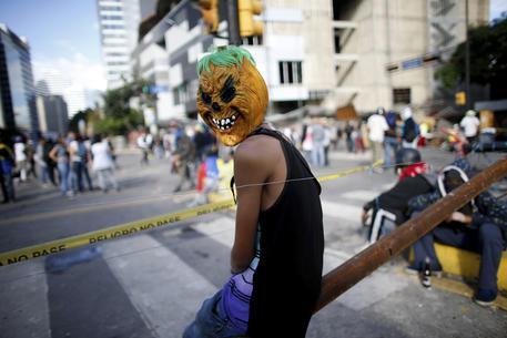 Venezuela, sangue sul voto per la Costituente: 13 morti in un giorno