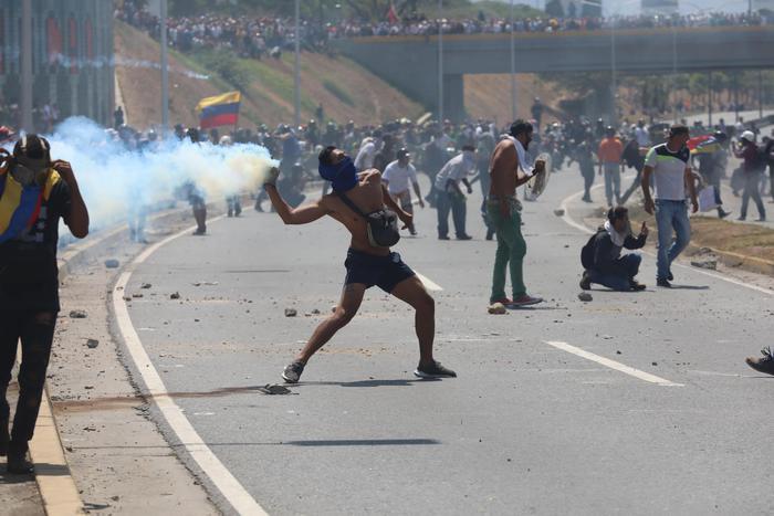 Rivolta antigovernativa in Venezuela: trentasette feriti
