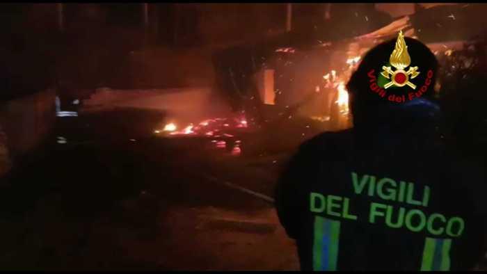 Catanzaro, in fiamme casolare di 'Calabria Verde': ingenti i danni