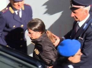 """Loris, Veronica sbotta in aula a Ragusa: """"Lo hai ucciso e mi chiedi i soldi"""""""