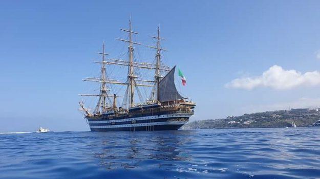 """Martedì a Siracusa al Porto Grande in banchina la nave scuola """"Vespucci"""""""