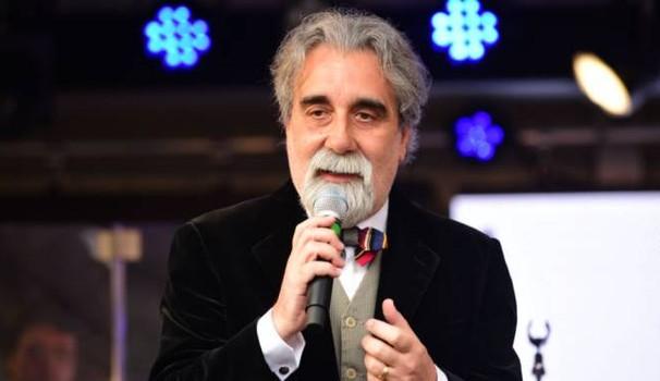 """""""La musica fa crescere i pomodori"""", Vessicchio presenta il libro a Modica"""