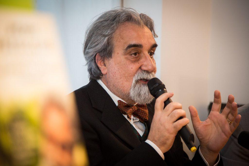 Modica, Peppe Vessicchio presenta oggi il suo libro al Teatro Garibaldi