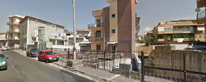 Catania, poliziotto libero dal servizio fa arrestare tre ladri di auto