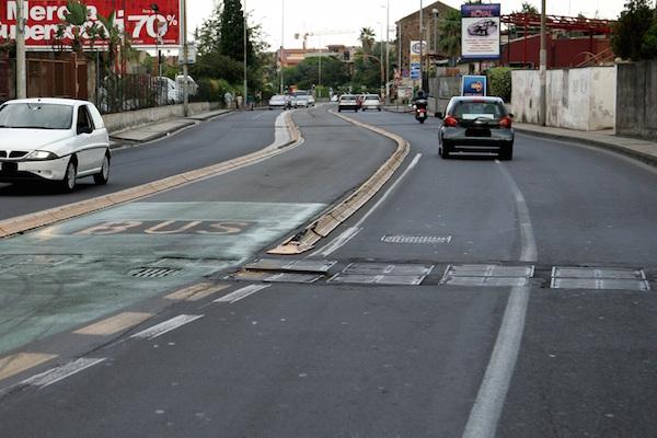 """Catania, buche e traffico: """"Si metta in sicurezza Passo Gravina"""""""