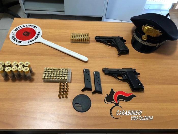Padre e figlio arrestato a Vibo Valentia per armi e munizioni