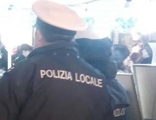 Palermo, prende a testate un vigile: va ai domiciliari