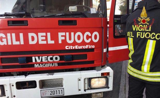 Ragusa, anziano trovato cadavere a casa dai Vigili del fuoco
