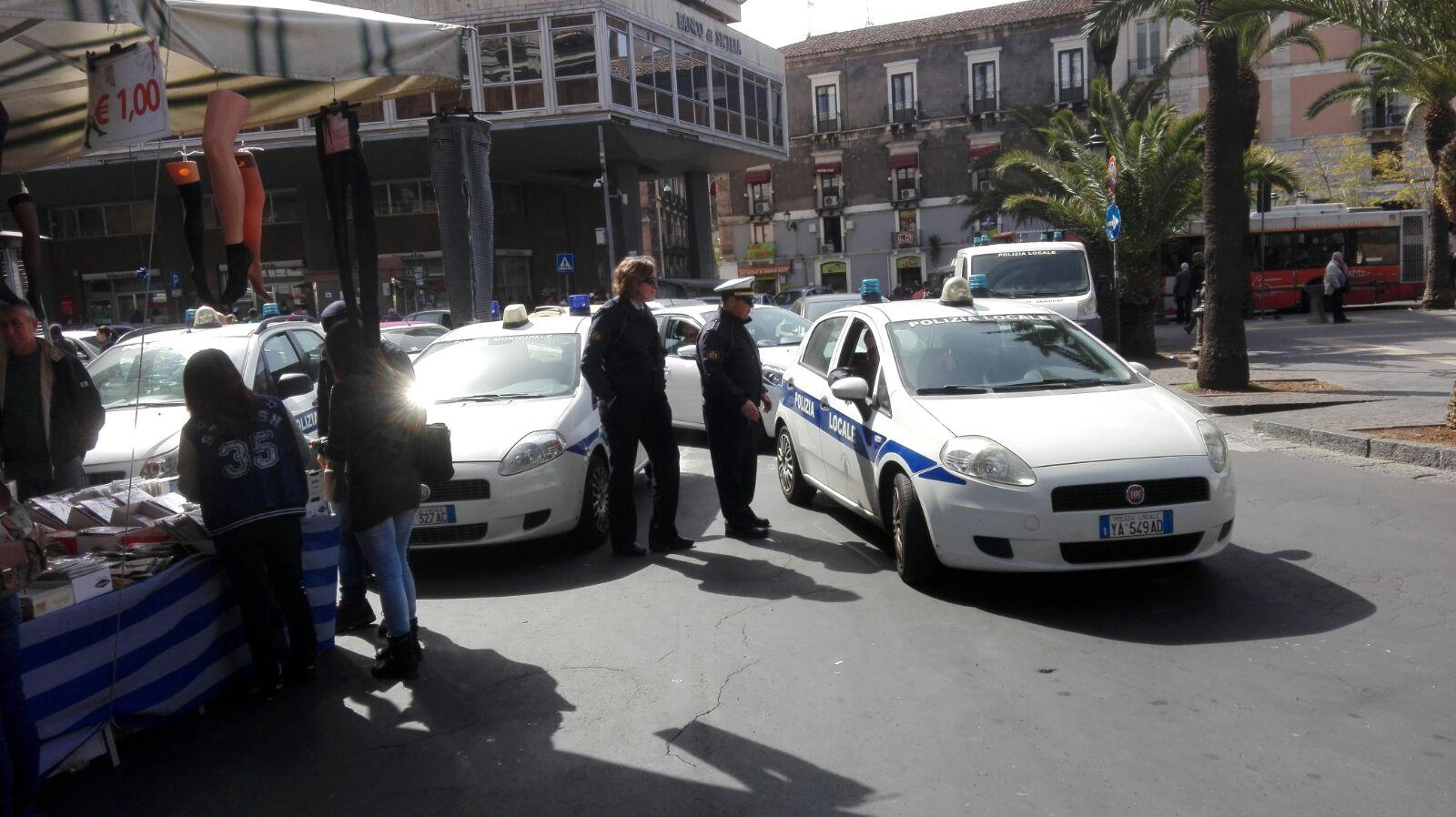 Catania, la polizia municpale contro l'abusivismo: 8 sequestri