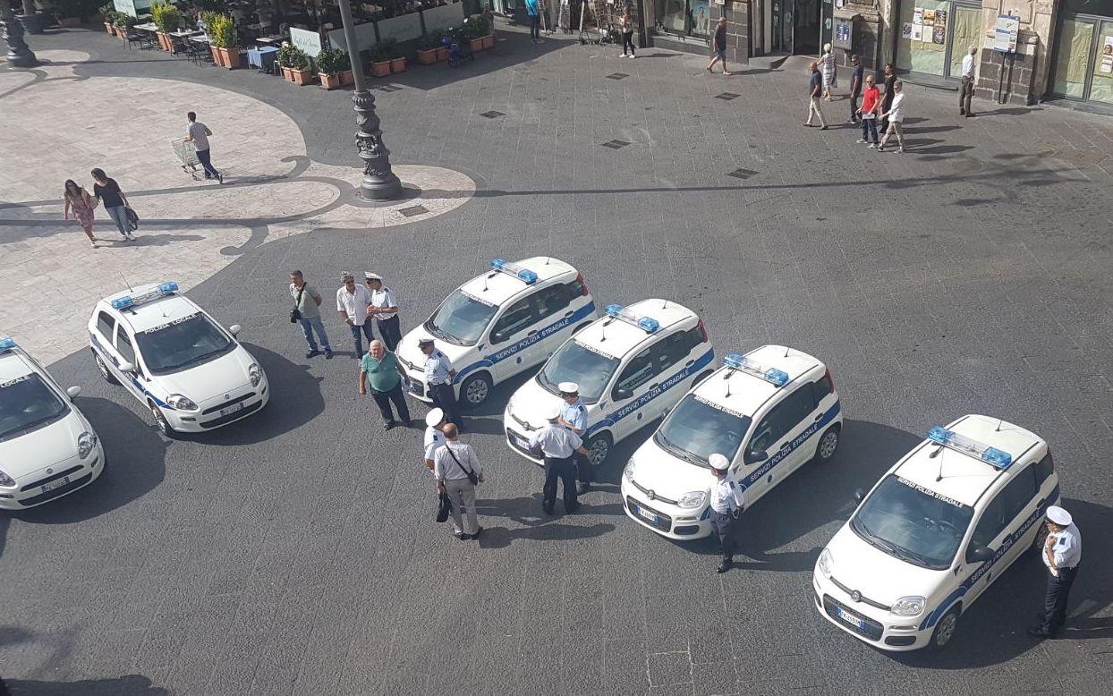 Quattordici nuove auto per i vigili urbani di Catania