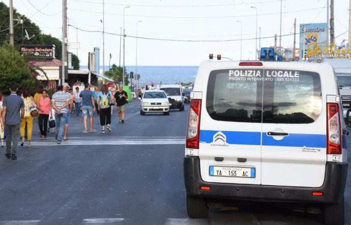 Aggredì il vigile urbano a Catania, domani interrogatorio in carcere