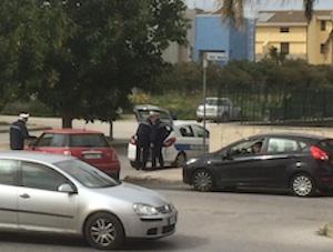 Floridia, pattuglie di vigili urbani in viale Vittorio Veneto per fare