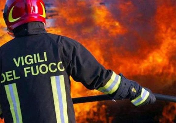 Appiccano le fiamme in un Municipio dell'Ennese, distrutti atti