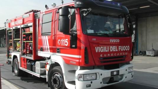 Lentini, vasto incendio in via Francofonte