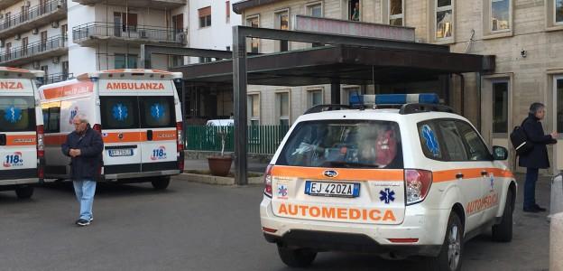 Palermo, filma le proteste al Pronto soccorso: avvocato fermato