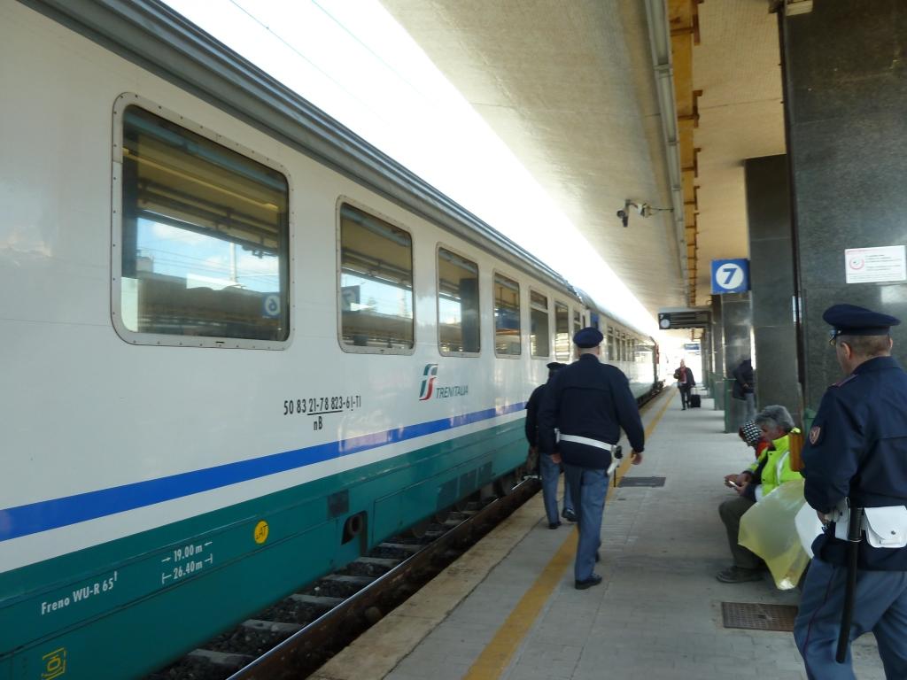 Due catanesi ubriache e senza biglietto in treno: denunciate in Calabria
