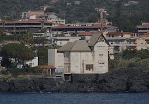 Catania, dopo esposto di Legambiente sequestrata l'area di Villa Pancari