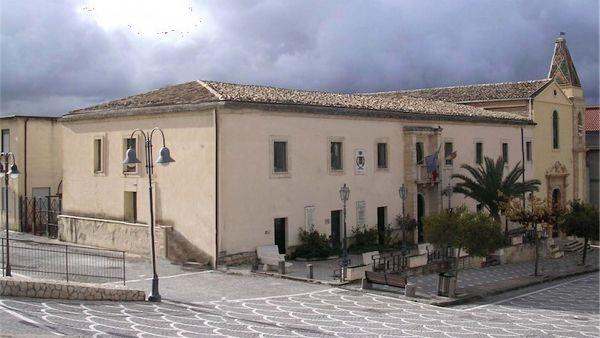Assenteismo al Comune di Villafranca Sicula, dodici ordinanze cautelari
