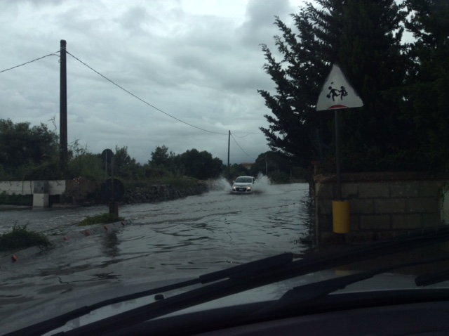 Bomba d'acqua mattutina su Siracusa, diluvio  a Catania