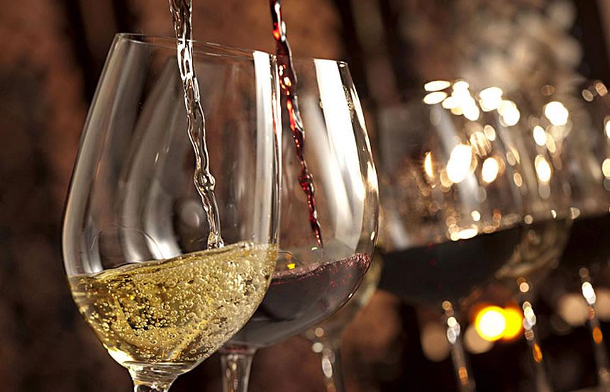 """Vini e prodotti tipici su """"Un treno per Ortigia, da Messina a Siracusa"""""""