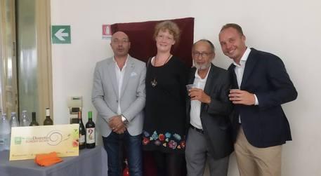 Vino: il Bio del distretto Borghi Sicani al World Press Photo