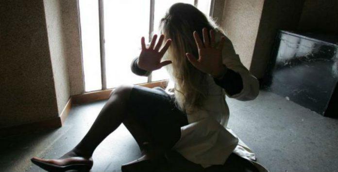 Diciottenne violenta all'uscita da una discoteca: un arresto a Gela