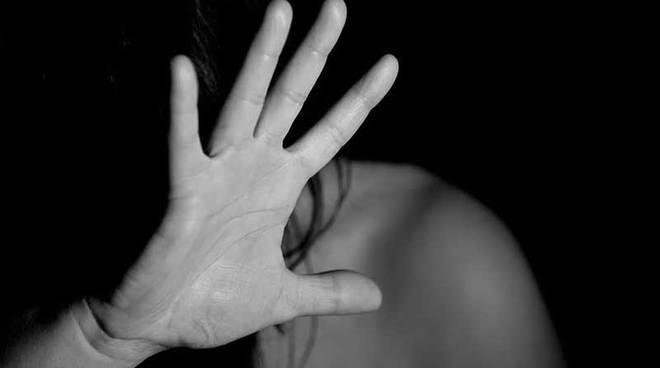 Catania, esce dal carcere e minaccia l'ex moglie: ti ammazzo