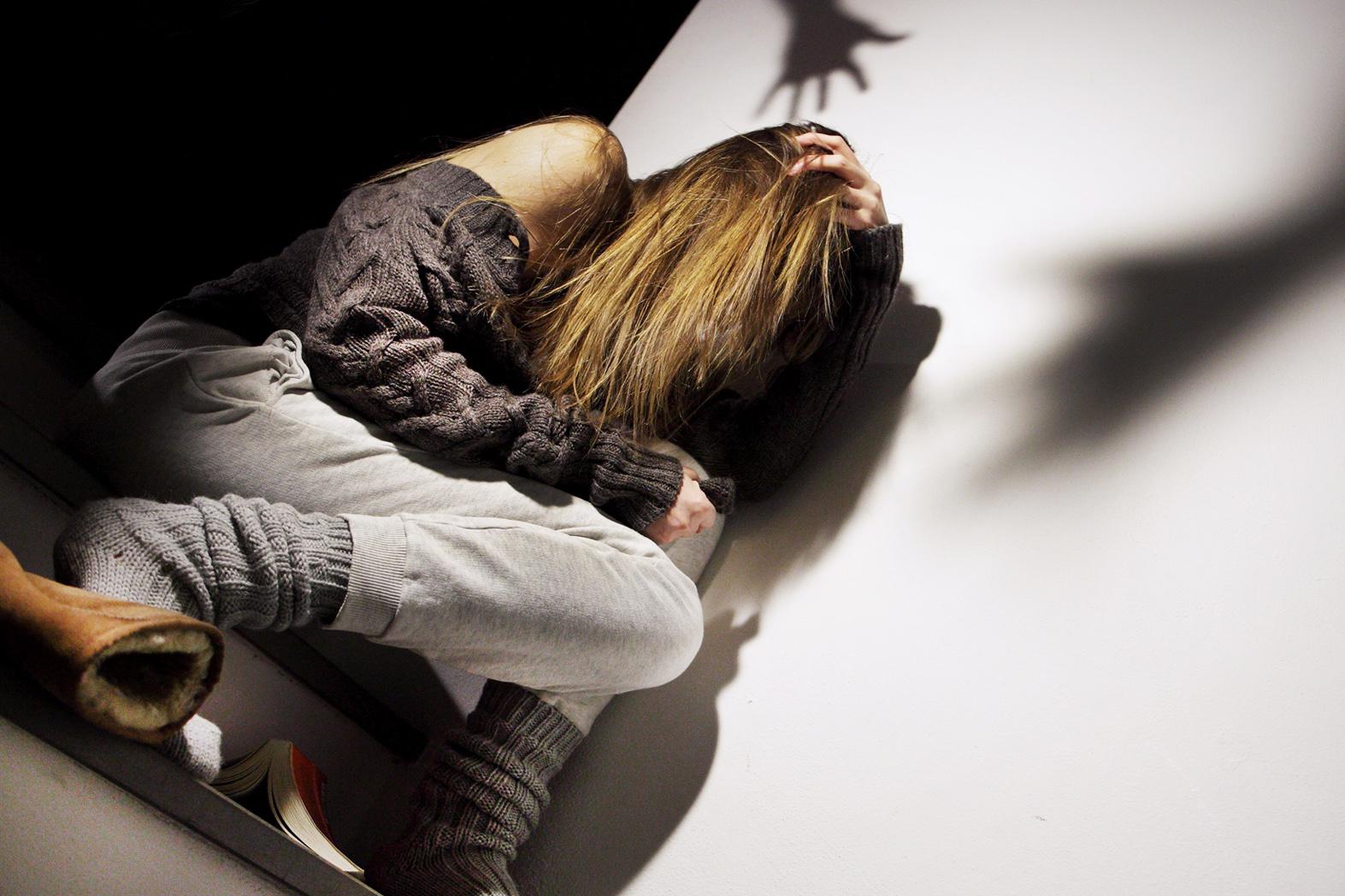 Pachino, botte a una donne al figlio neonato: divieto d'avvicinamento