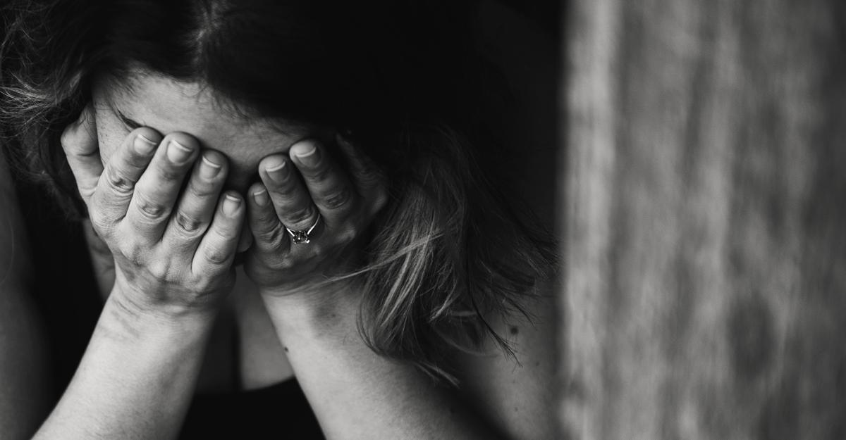Vittoria, donna vittima di violenza: bisogna denunciare