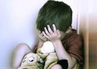 Catania, abusi sessuali sul figlio di 6 anni: condannato a 10 anni