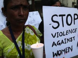 Vuole studiare e non sposarsi, bruciata viva a 16 anni in India