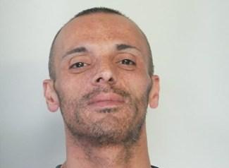 Catania, rapina una tabaccheria e torna a casa: la polizia lo arresta