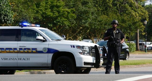 Sparatoria a Virginia Beach, almeno undici morti e sei feriti