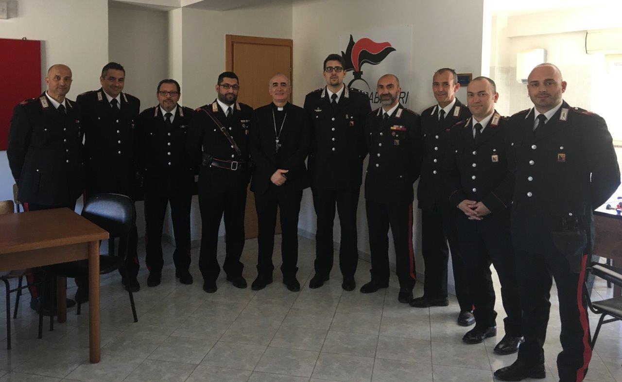 Il vescovo di Noto incontra i carabinieri della Stazione di Pachino